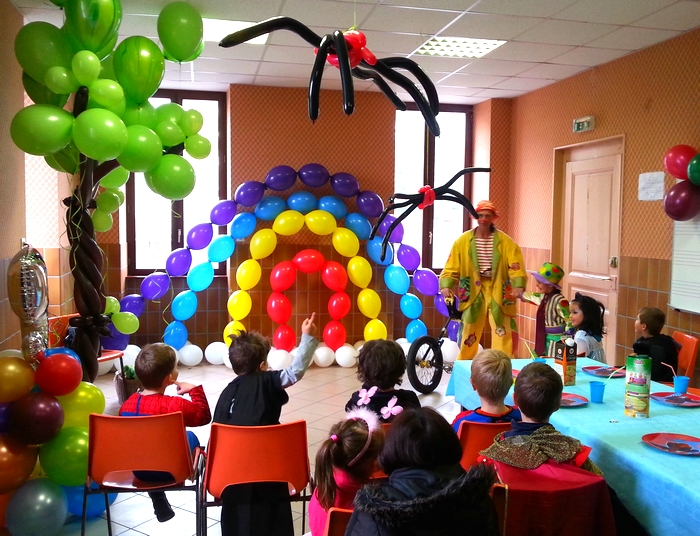 images/gouter_enfant_decoration_par_le_ballon.jpg